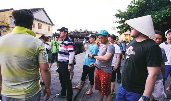 Hướng dẫn viên tiếng Hàn