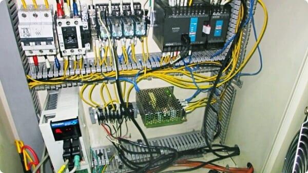sửa chữa thiết bị điện