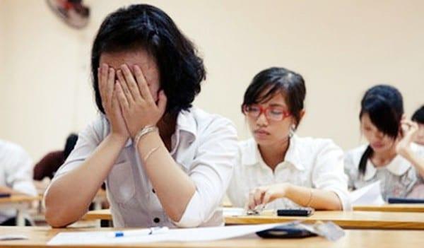 Nguy cơ tự sát từ áp lực học hành thi cử