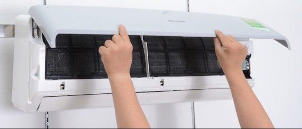 Tự vệ sinh máy điều hòa tại nhà sẽ giúp máy chạy ổn định, tiết kiệm được điện năng