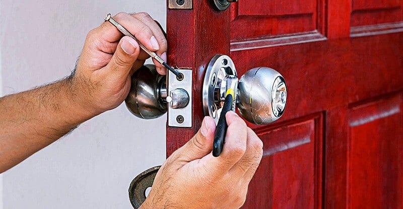 Bảng giá sửa khóa cửa, gọi thợ sửa khóa tại nhà | Ứng dụng Rada