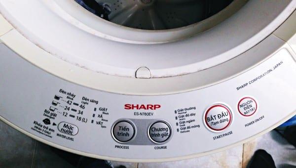 Những loại máy cũ thế này cũng có bốn chương trình giặt khác nhau cho bạn lựa chọn.