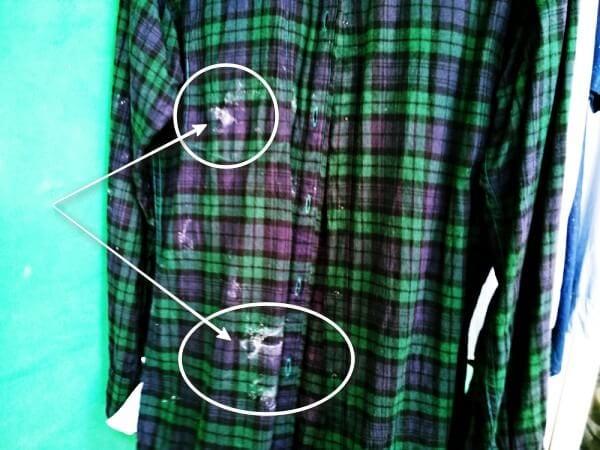 Đây là chiếc áo yêu thích khi lười đem đi giặt bằng máy mà quên khuấy bột giặt kỹ.