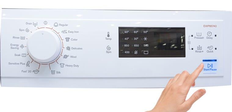 chọn chương trình giặt  electrolux