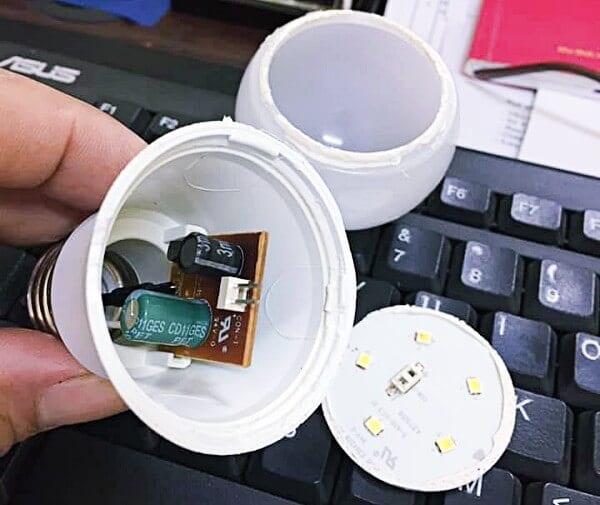Gỡ bóng đèn LED 3W Rạng Đông