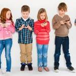 5 câu hỏi cha mẹ nên cho trẻ biết trước khi đưa điện thoại cho trẻ sử dụng