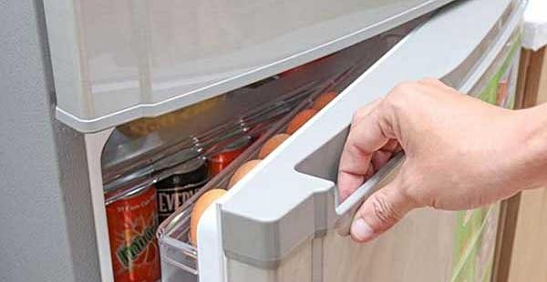 Cửa tủ lạnh bị hở - không đóng kín được