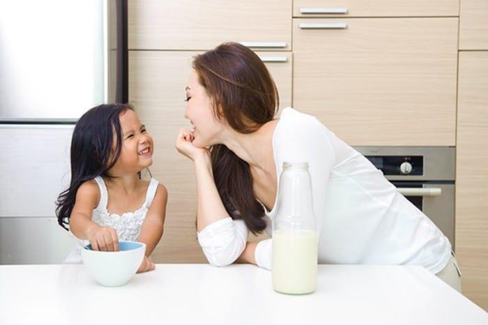 cha mẹ hãy cởi mở và quan tâm nhiều hơn tới trẻ