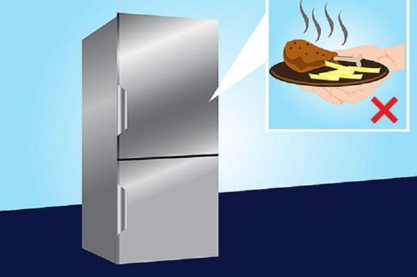 Thực phẩm quá nóng sẽ gây biến dạng các tấm nhựa trong tủ lạnh