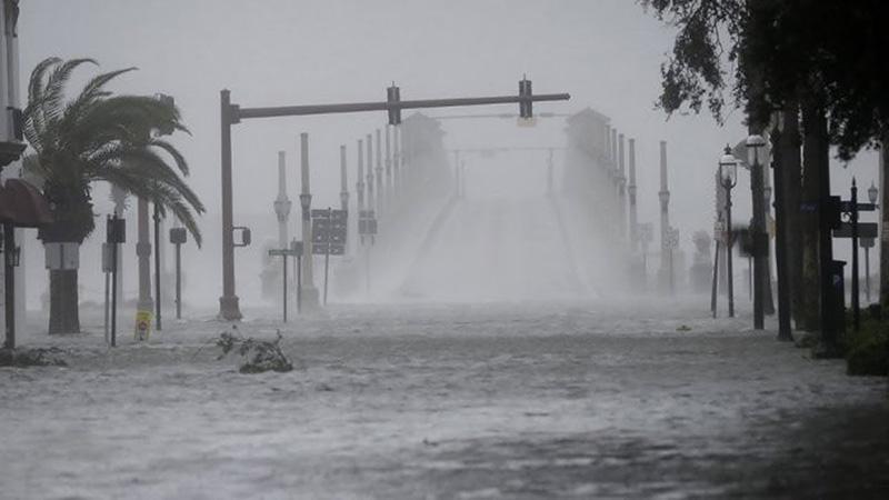 Cần phải cẩn trọng về các thiết bị điện khi trời đang mưa bão