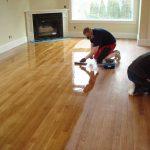 Vì sao sàn gỗ bị cong vênh? Cách khắc phục