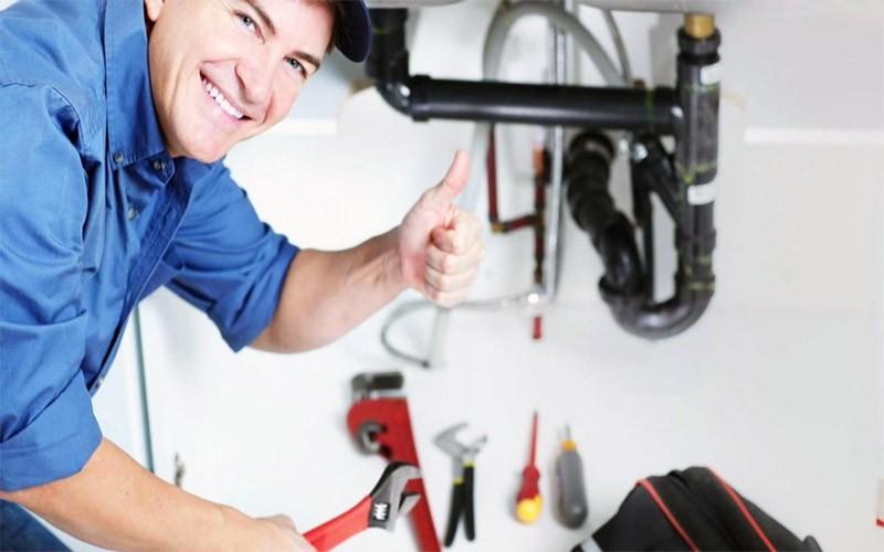 Gọi thợ chuyên sửa chữa để đảm bảo an toàn