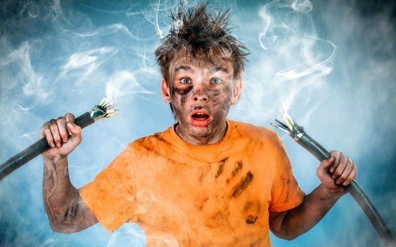 Chập cháy điện trong nhà rất nguy hiểm, bạn nên cẩn trọng và cần xử lý hợp lý