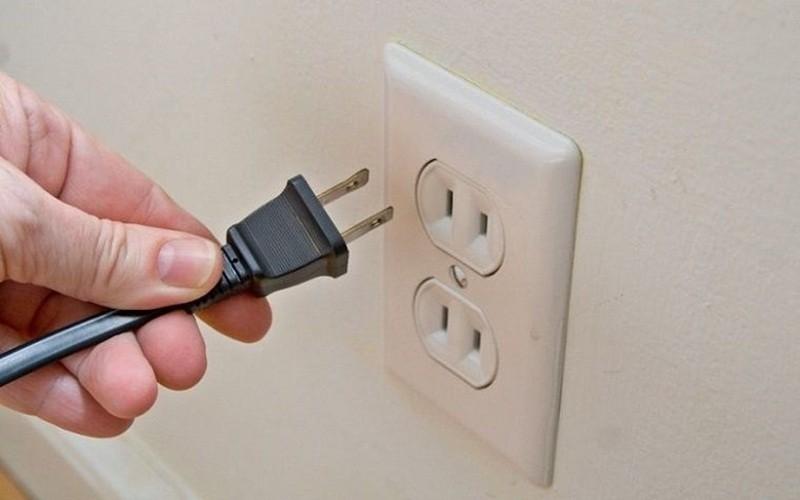 Nếu ổ cấm điện bị hỏng, bạn có thể sữa chữa để tránh gây hỏng lây dây điện