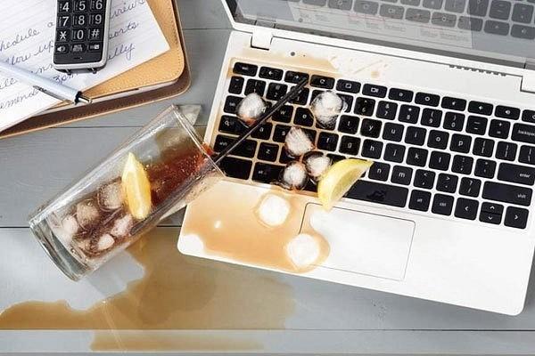 Laptop bị ngấm nước